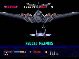 Ocasionalmente vamos sendo reabastecido de mísseis desta forma. Outras vezes aterramos temporariamente para abastecer combustível, com os pilotos de Out Run e Hang On a fazerem uma visita.