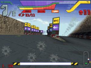 Cada pista possui as suas zonas de reabastecimento de armas, combustível ou energia para o escudo