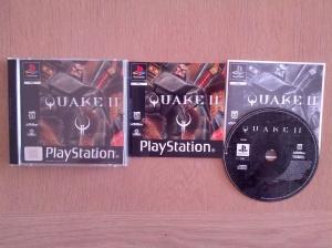 Quake II para a Playstation, com caixa e manuais